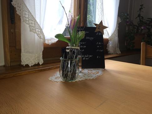 Tische mit Karte.jpg