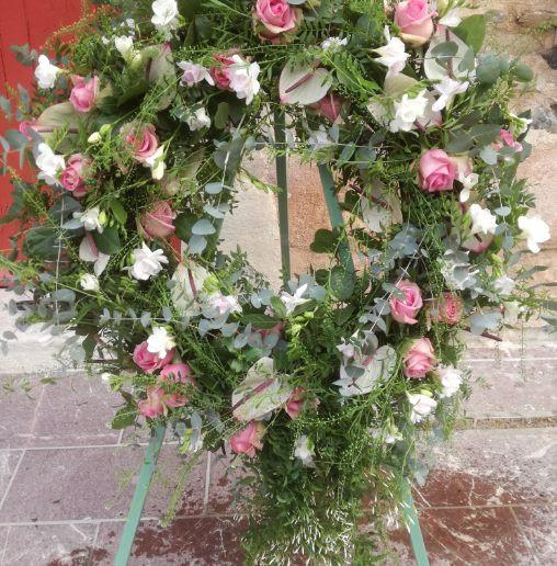 couronne rose et blanche