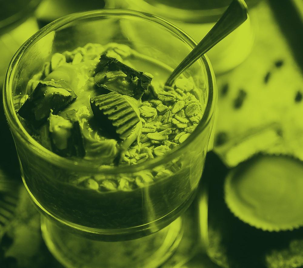Ice cream dessert with pudding