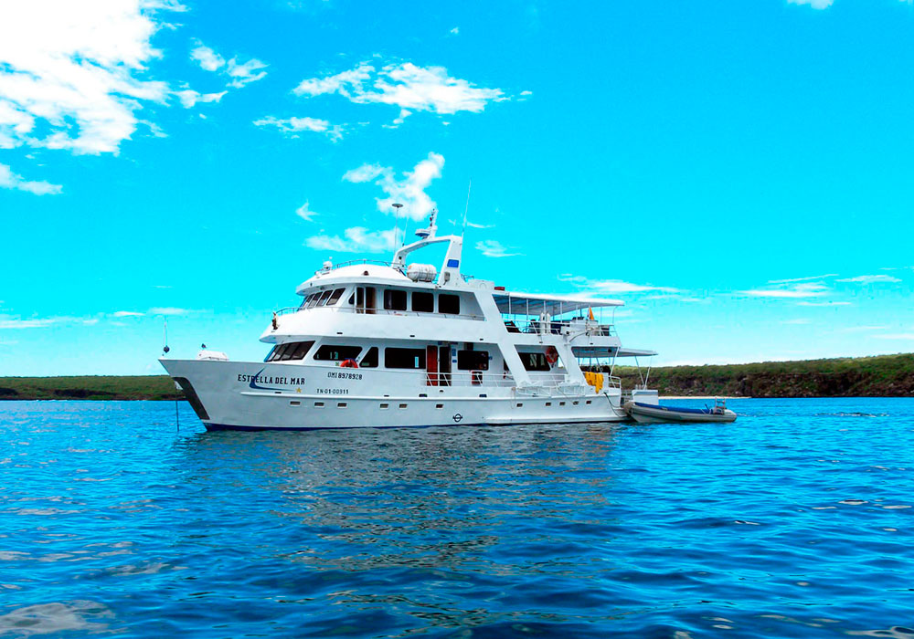 1-estrella-del-mar-yacht-galapagos-cruises-on-line