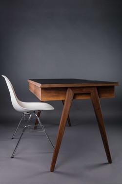 Desk DAN