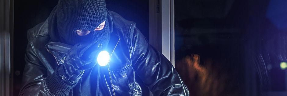 Robber in dark.jpeg