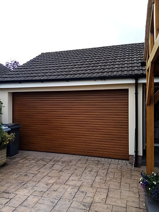 Golden Oak Double Garage Door 22.08.2019.JPG