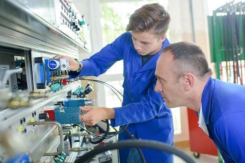 Ausbildung Elektroniker Energie- und Gebäudetechnik, Elektro Herrmann