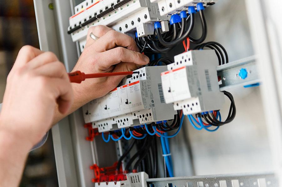 Stellenangebot, Jobs, Elektroinstallateur, Elektroniker, Elektro Herrmann