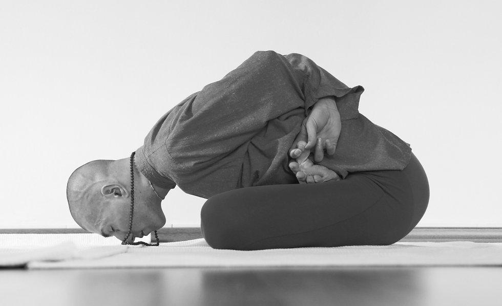 yoga-photos-vedvyas-039-compressor_edite