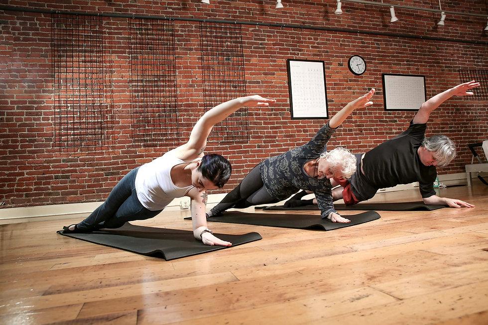 Pilates-studios-near-me---pilates-classe