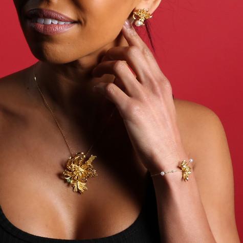 Golden-Chrysanthemum-Collection-Pendant+