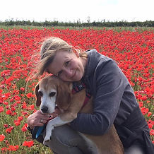Picture of Wendy-Jane and her beagle Amber in the poppy fields