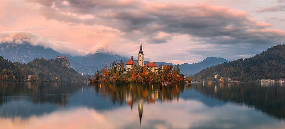Lake-Bled-Pano2-800_edited.jpg