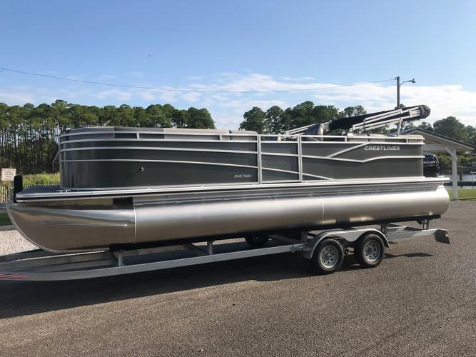crestliner 240 30a pontoon rental.jpg