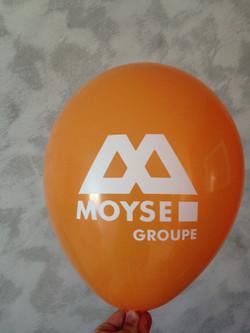 Ballon de baudruche orange