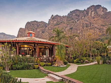 Visita el Hotel La Buena Vibra Retreat & Spa con tu pareja y disfruta de una atmósfera mágica.