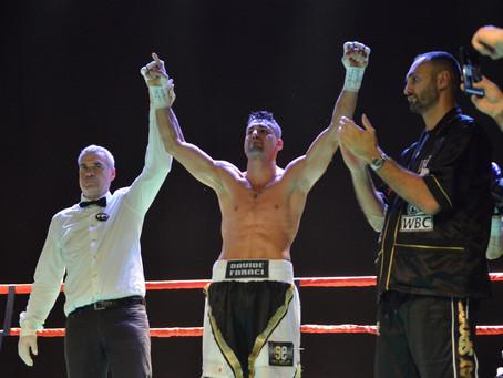 Davide Faraci bleibt ungeschlagener Meister im Halbschwergewicht