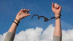 pour se libérer de ses chaînes. se sentir plus libre. s'exprimer.