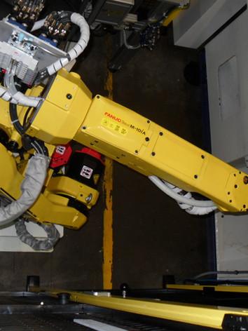 Robot de préhension 8 roulettes 2.jpg