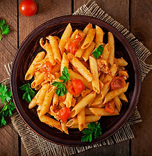 penne-pasta-in-tomato-sauce-with-chicken