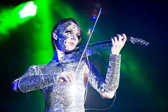 Mirror Violinist Sparkles for Corporate Even