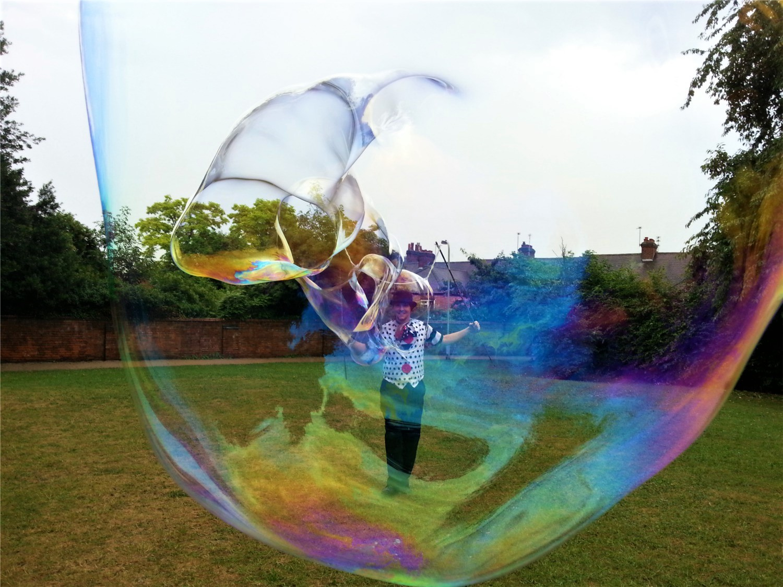 Bubbleology giant bubbles