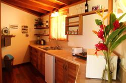 -C1 kitchen IMG_9970