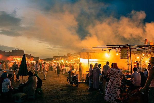 people-in-night-market-513044_edited.jpg