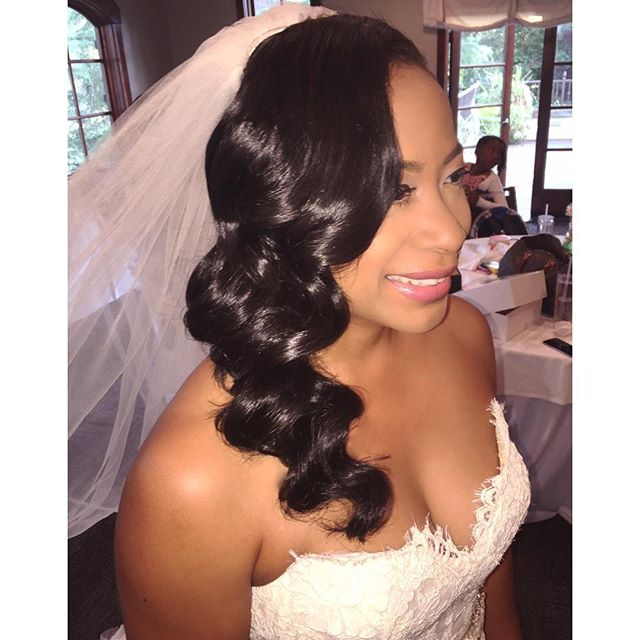 Vintage Bride💍 #vanityloungehair #vanitylounge #weddings #brides #bridalhair  #bridalhairstyle