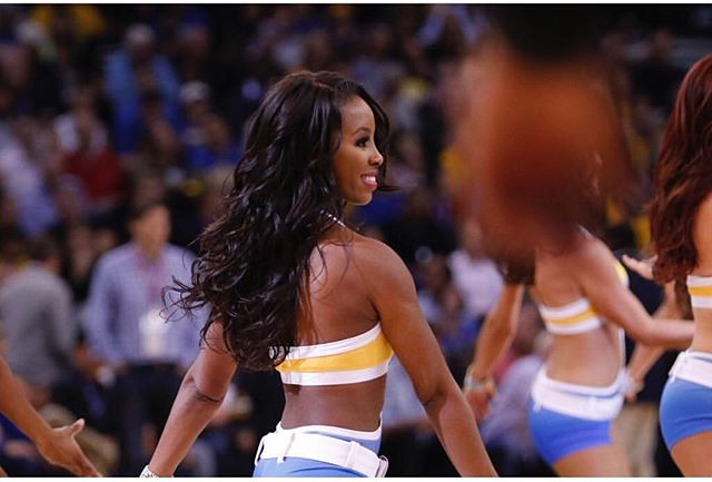 GAME TIME!🏀 #shesovain #bayareahair #vanitylounge #warriors #danceteam