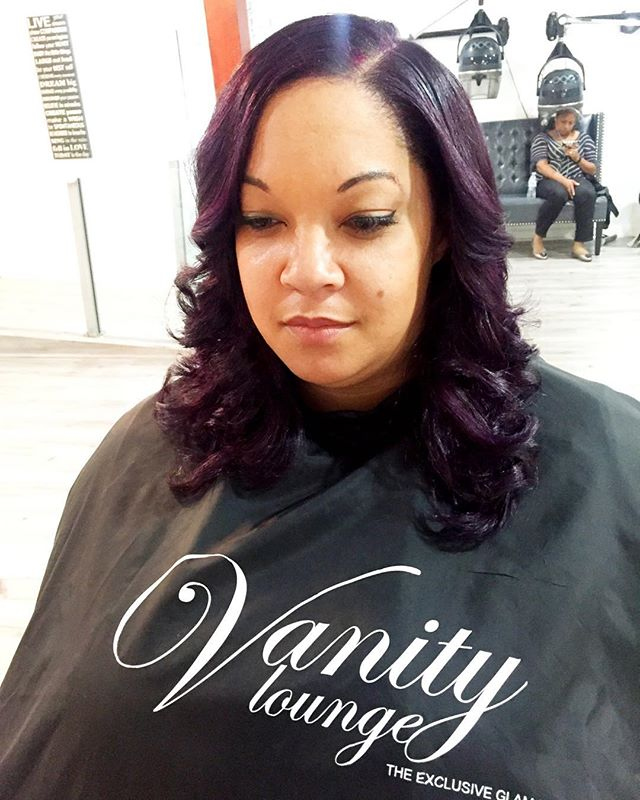 Natural Hair Flat Iron and color 😍 _Book our new stylist SIlVER _silverlys #Vanitylounge #naturalha