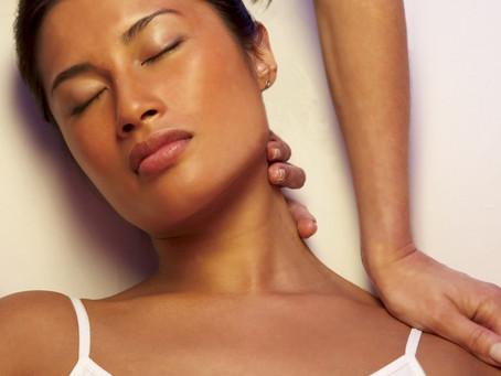 Problème de dos : les massages plus efficaces que les médicaments.