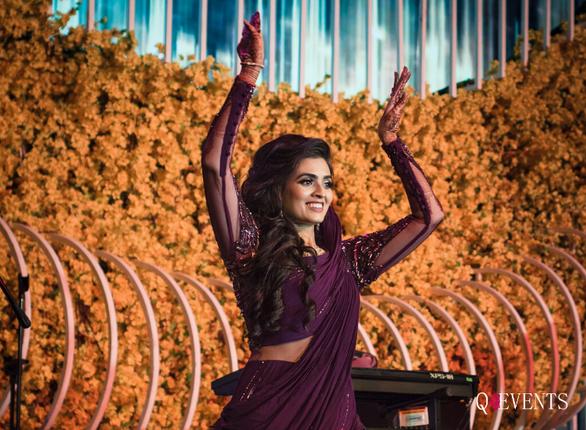 Apurva dancing away at her Sangeet