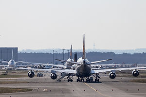 aircrafts-on-runway-3999659.jpg