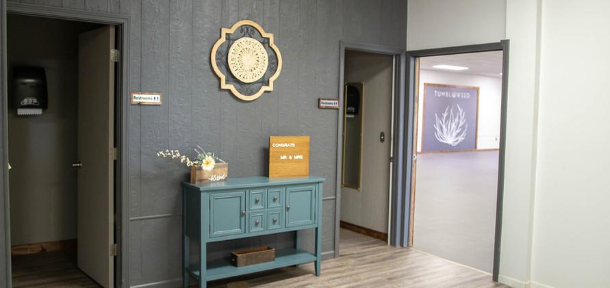 LoungeBathroom.jpg