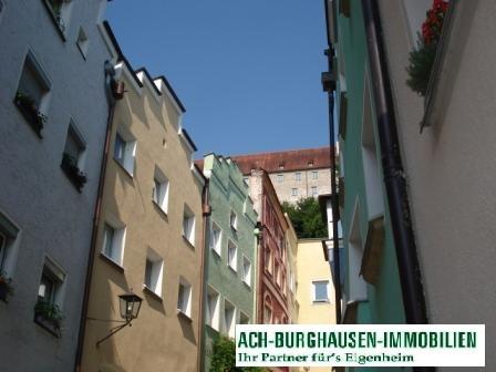 --VERMIETET---2-Zimmerwohnung in der Burghauser Altstadt!!