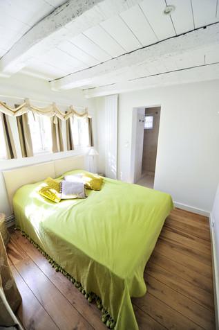 Le gîte Le Balcon et sa chambre cosy du rez de chausséec.jpg