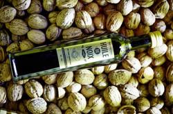 Huile de noix produite localement