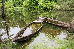 Les barques traditionnelles au pied des gîtes les Terrasses de Carennac