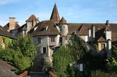 Les plus beaux villages de France comme Carennac améne vers l'instant présent