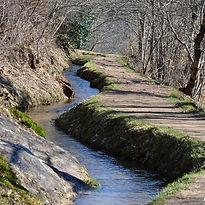 Promenez vous le long du canal des moines à Aubazine