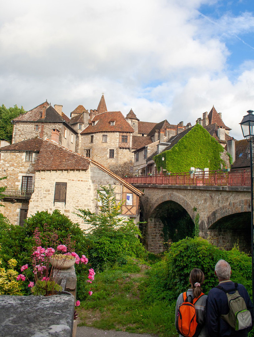 Le village de Carennac au pied des gîtes les Terrasses de Carennac