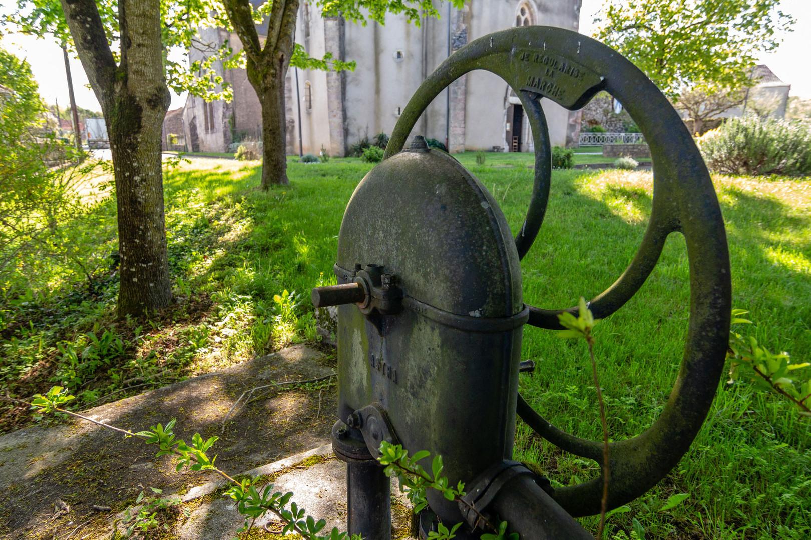 Patrimoine d e vieilles fontaines et de lavoirs en Vallée de la Dordogne