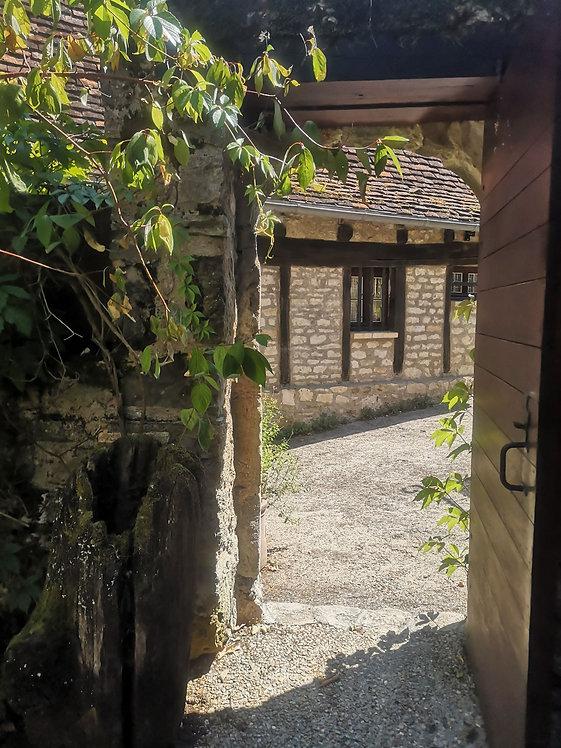 Entrez dans l'univers authentique du gîte Le Balcon à Carennac-de-Ca