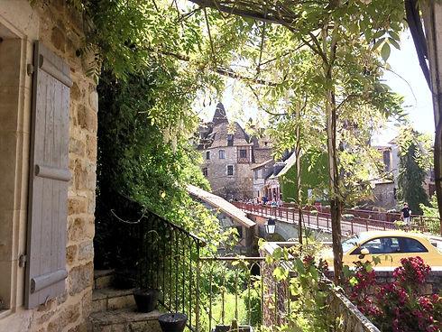 Vue du village de Carennac depuis les gîtes Les Terrasses de Carennac