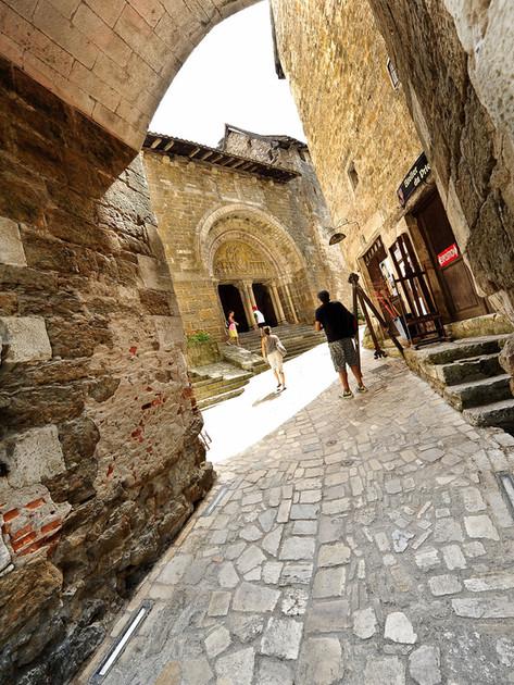 Carennac et sa cour du chateau