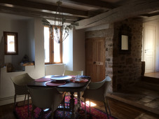 Matière authentique et noble dans la salle à manger du BalconSalle à manger du Balcon
