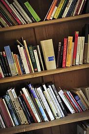 Bibliothèques dans chaque gîte des Terrasses de Carennac
