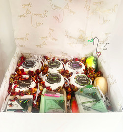 Gift box with dried roses-Recovered with