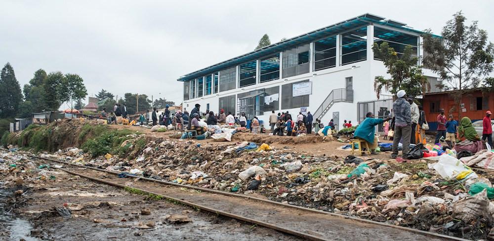 Distribuição de água limpa em Kibera