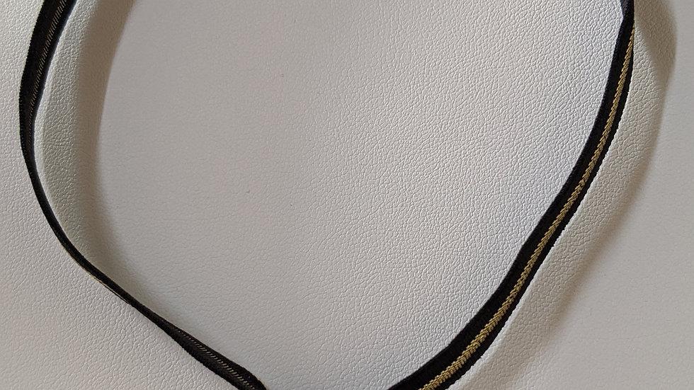 Ras du cou en noir et doré et pendentif plaqué or