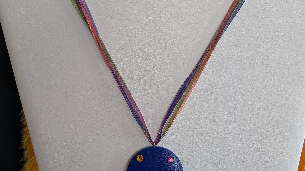 Collier Bleu Chakras et pompon