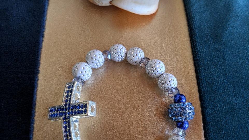 Bracelet perles Fantaisie et Croix avec strass bleus